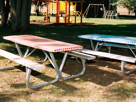 Picnic Table Plastic Elastic Covers Stay On The Table Even In Srong Wind.